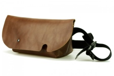 MESSENGER BAG (XS)/BROWN-FAS