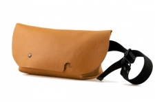 MESSENGER BAG (XS)/LITE BROWN-FAS