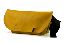 MESSENGER BAG (XS)/BROWNY YELLOW-FAS