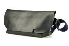 MESSENGER BAG (M)/DARK NAVY-FAS