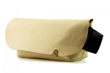MESSENGER BAG (M)/NATURAL-FAS