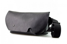 MESSENGER BAG (XS)/NERO-FAS