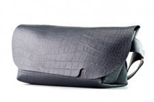 MESSENGER BAG (M)/CROCO PATTERN NAVY-FAS