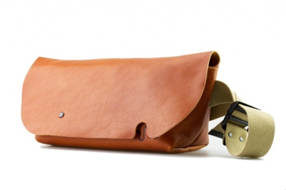 MESSENGER BAG (S)/COGNAC